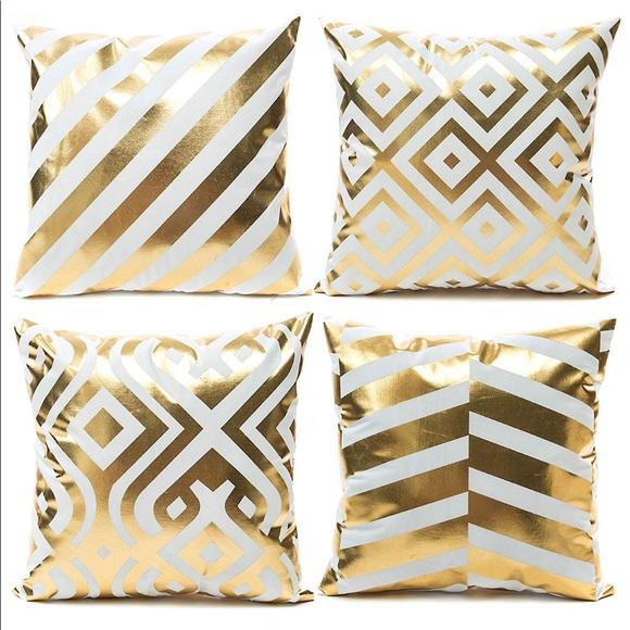 Other - 🎀Set Decorative Throw Pillow 🎀 NEW